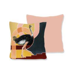 WANDenWOONdeco.nl Atelier Andrea kussen UP AND FORWARD roze achterkant